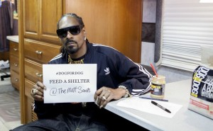 Snoop Dogg Helps Feed Dogs